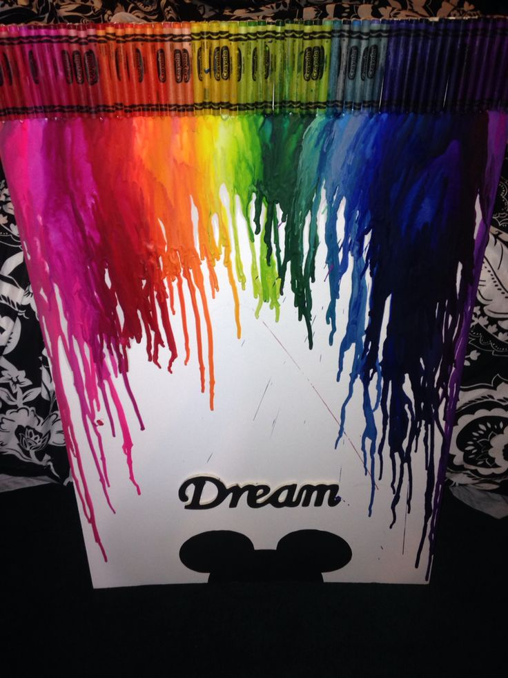 Melted crayon Disney art decor #DIY