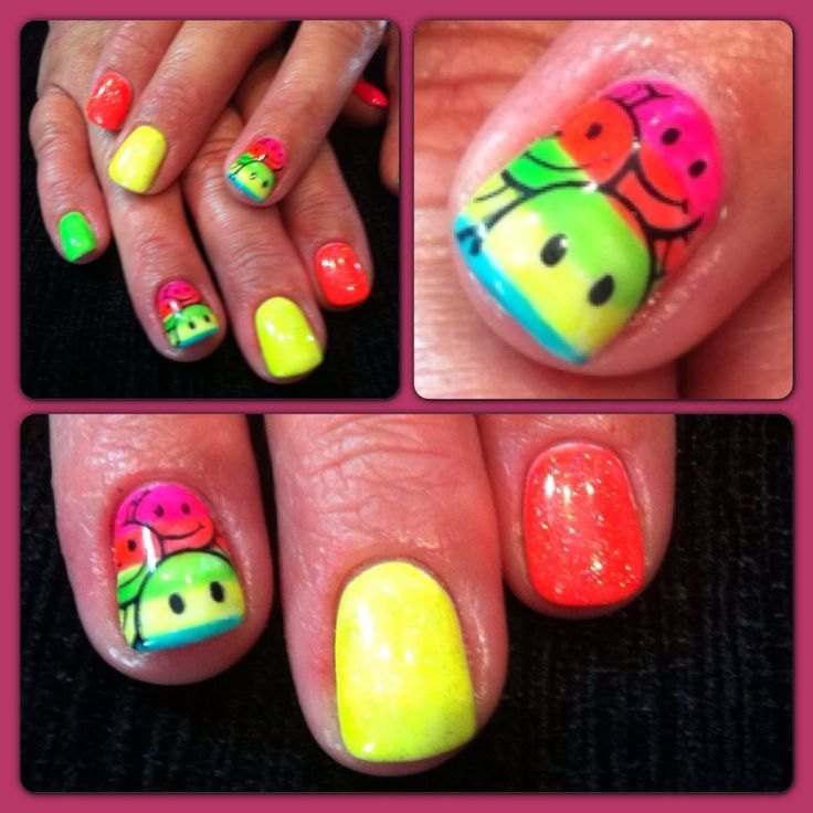 Neon, glow bright gel nails