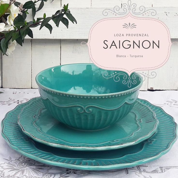 La preciosa loza provenzal SAIGNON da categoria y encanto a las mesas de cada día. En nuestra tienda online www.labellezadelascosas.cl