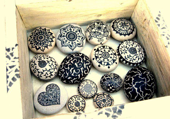 steine bemalen in schwarz