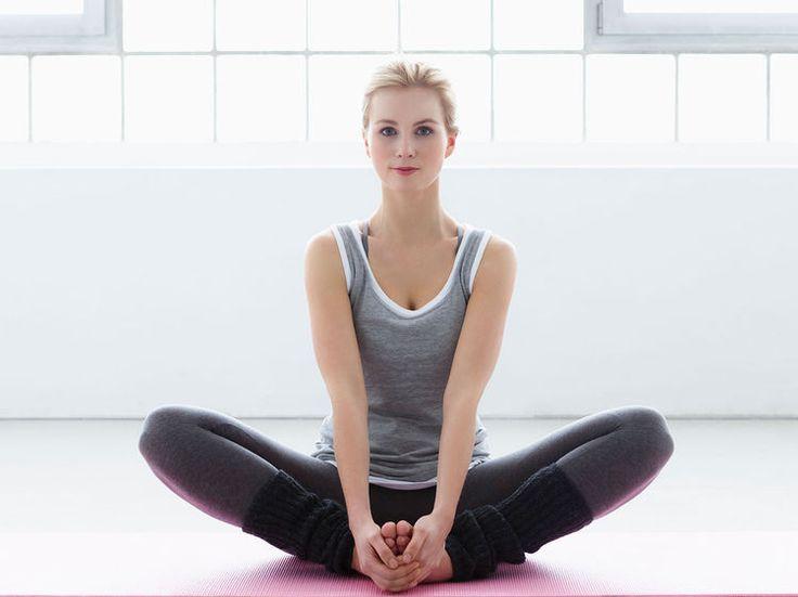 Pour avoir un ventre extra plat, le secret c'est de tonifier ses abdominaux. Alors essayez vite cet exercice super ciblé de yoga minceur.