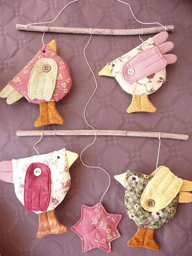 Birds. Could be done in pretty papers also.: Chicken, Sewing, Primitives Country Crafts, Cute Birds, Diy'S, Little Birds, Birds Mobiles, Fabrics Birds, Hens