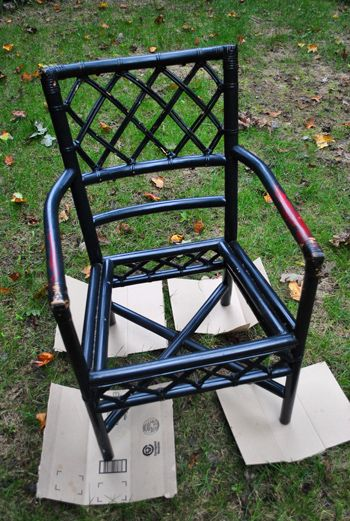 How to repaint wicker furniture.