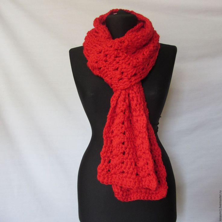 Купить Вязаный длинный шерстяной красный шарф. Крупная вязка, крючком. - ярко-красный, однотонный