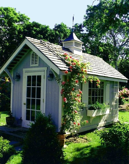 Cute little shed (not the color though).