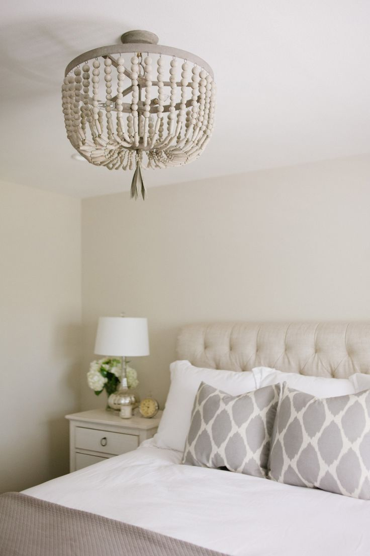 Soft, neutral bedroom