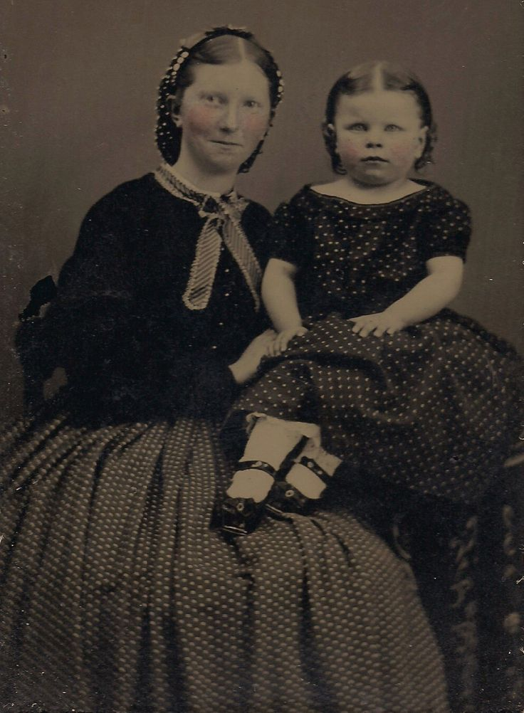 OLD VINTAGE TINTYPE PHOTO of YOUNG MOTHER & DAUGHTER LITTLE GIRL (w/ RED HAIR ?)   eBay