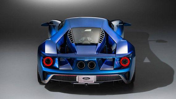 Суперкар Ford GT 2017 / Форд GT 2017 – вид сзади