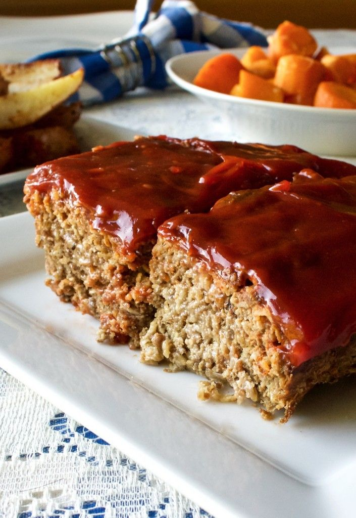Meatloaf  is a Low-​Carb, Low-​Sugar, Dairy-​Free, Gluten-​Free, man pleasing meal! By HomemadeFoodJunkie.com #meatloaf #lowcarb #glutenfree
