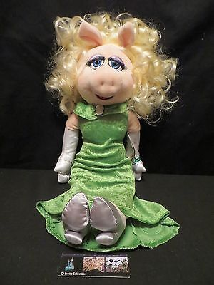 Disney Store Authentic Miss Piggy Muppets Most Wanted 19in - 20in plush toy