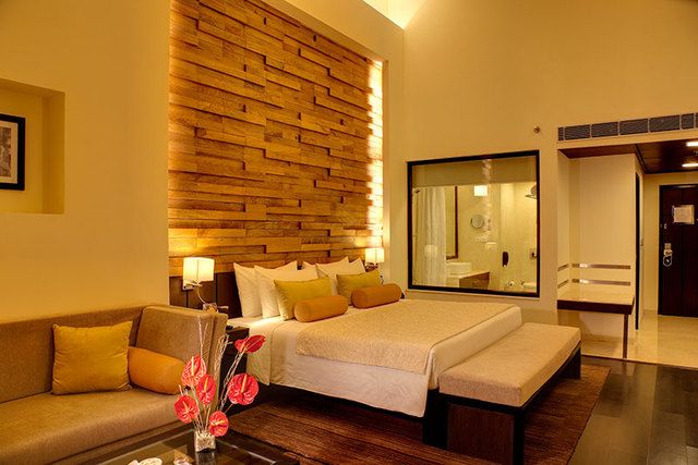 Fortune Select Metropolitan is one of the best #hotel in #Jaipur. Hotel features a spa, 2 #restaurants, a swimming pool and a gym. The well appointed #rooms include facilities such as tea/coffee makers, free access to internet, microwaves etc. Some of the famous #tourist #attractions close to the hotel are Geeta Ashram, Radha Krishna Temple, Birla Auditorium. #jaipurdiairies #pinkcity #staywell #luxury