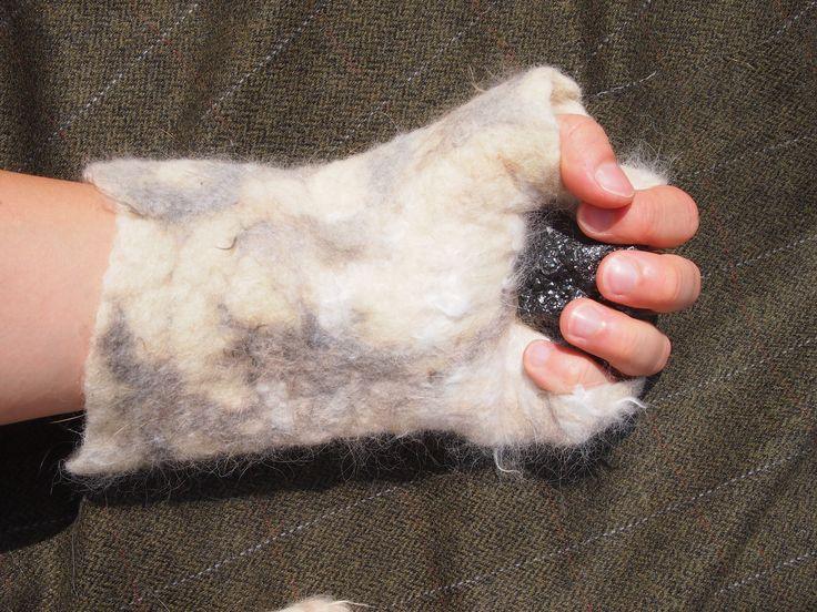 Mittens. Wool and rabbit fur