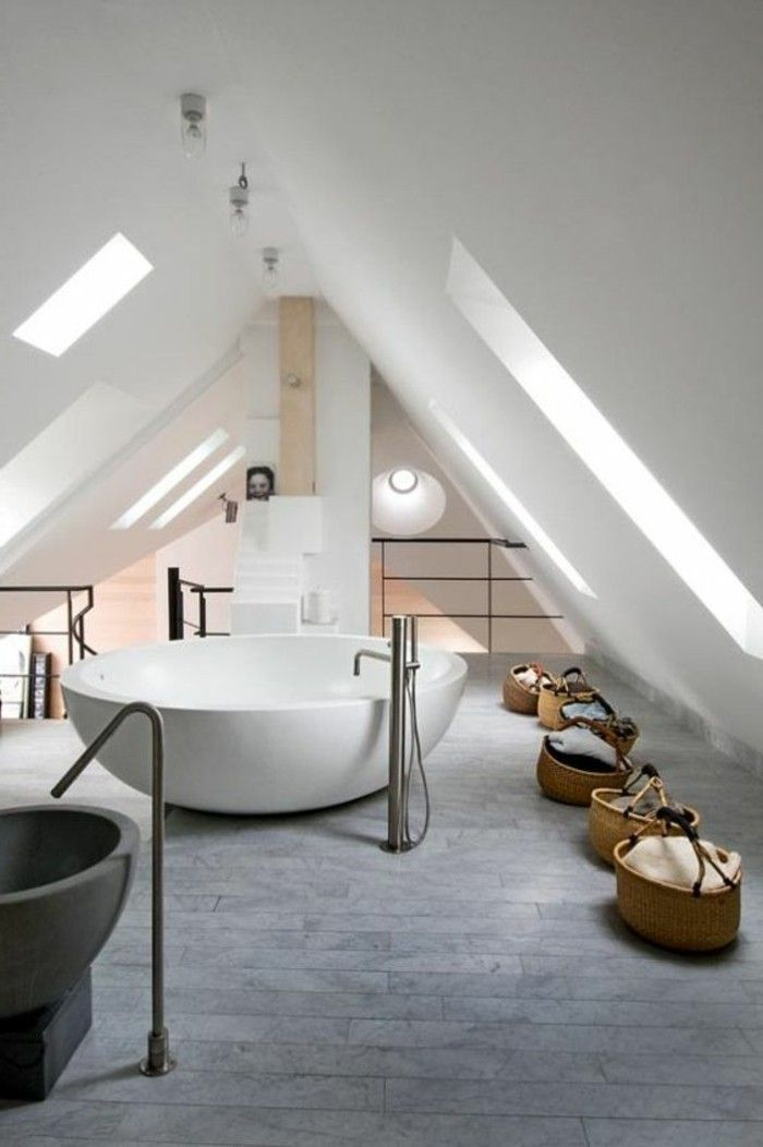 Best 25+ Salle de bain mansardée ideas on Pinterest | Conversion ...