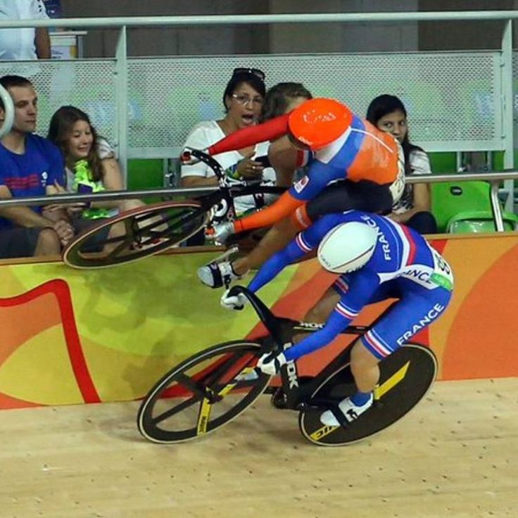 What a skills by LaurinevRiessen! Keirin Rio Olympics 2016