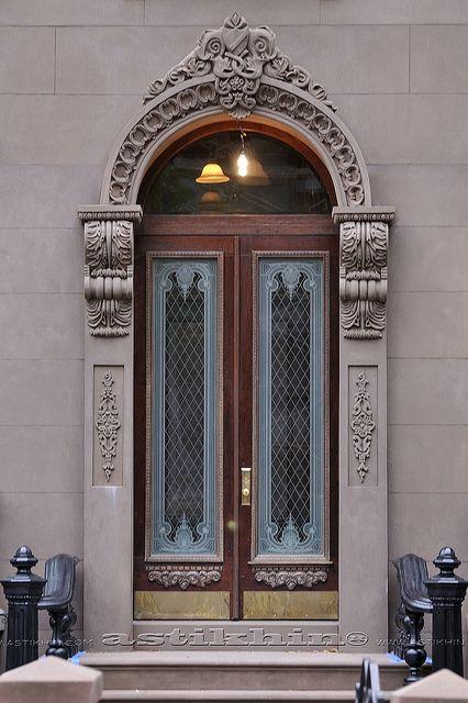 Doble door - New York City