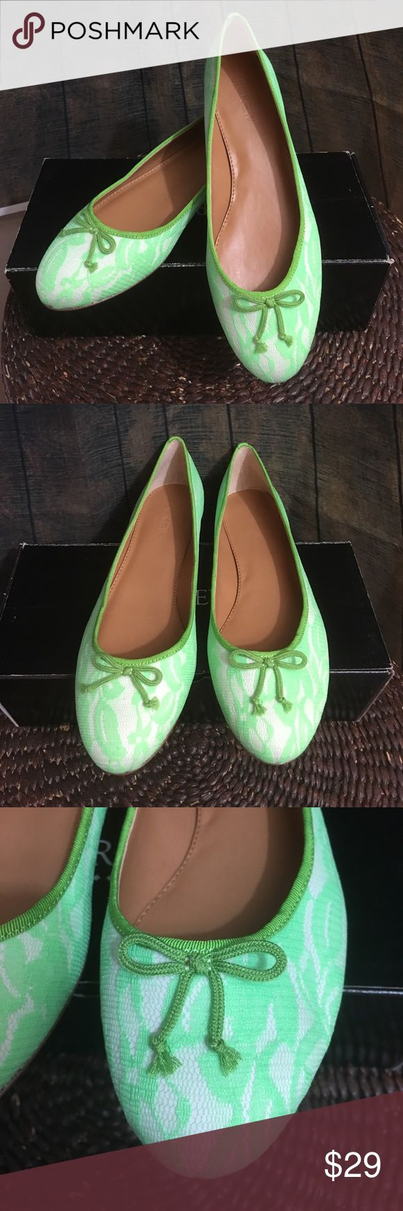J.Crew Lace uptown Ballet Flats 7.5 NWT J.crew Green Lace Ballet Flat size 7.5 J.Crew Factory Shoes Flats & Loafers