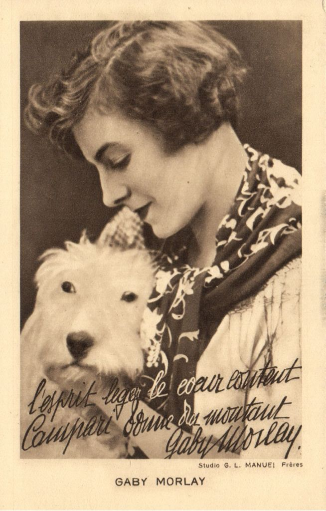 0 Gaby Morlay with her dog