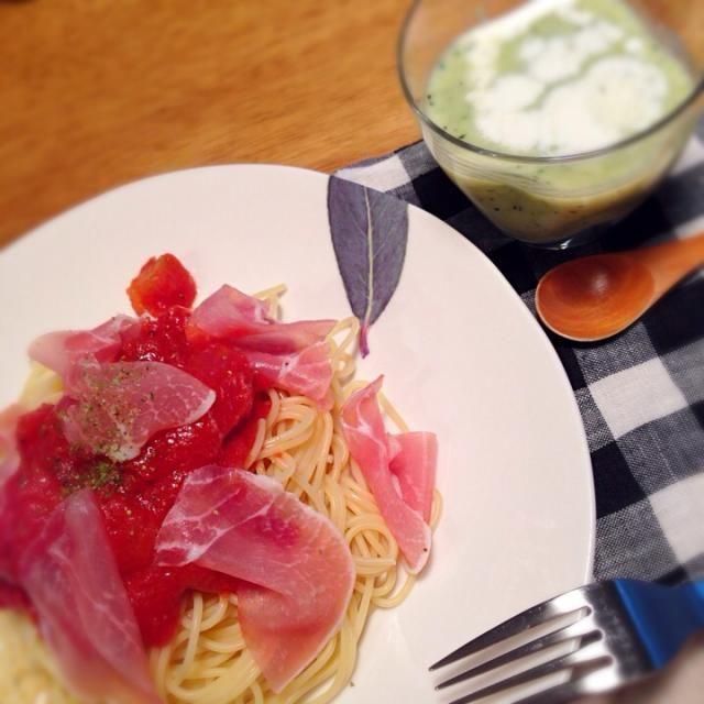 そうめん、ざるそばに飽きてきたので、冷製パスタ♫ - 6件のもぐもぐ - トマトと生ハムの冷製パスタ*ズッキーニの冷製スープ by ucoyy