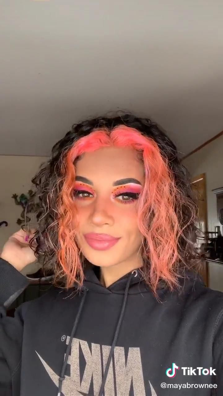 yes she wears lots of hair clips now 😂 Dyed Curly Hair, Dyed Natural Hair, Curly Hair Styles, Natural Hair Styles, Colored Hair Tips, Colored Curly Hair, Peach Hair Colors, Pink Hair, Kehlani Short Hair