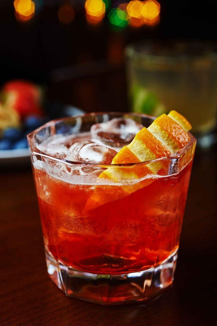 Negroni Sbagliato cocktail, ricetta cocktail con Campari, vermut rosso Spumante