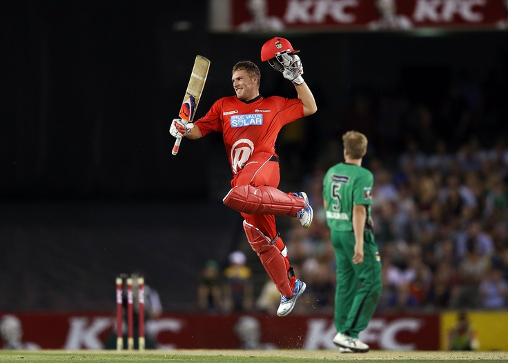 Aaron Finch celebrates reaching his ton against Melbourne Stars