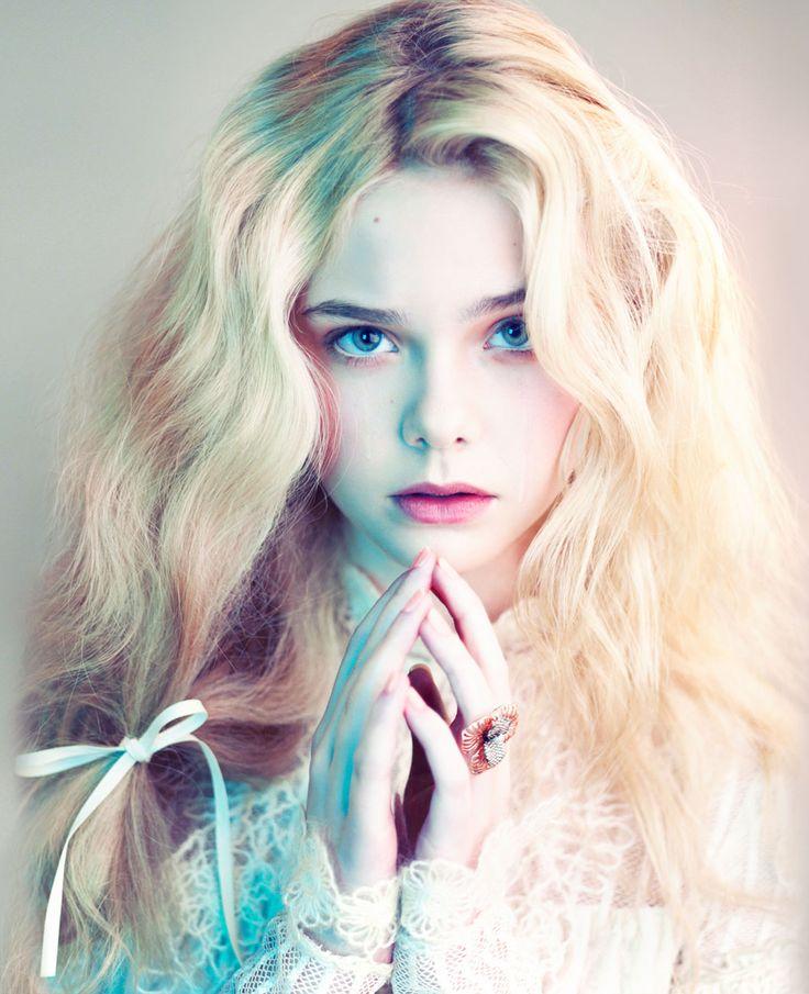 Un ángel. A pesar de su corta edad -13 cuando realizó esta sesión de fotos- Elle Fanning luce aquí todo el esplendor de su belleza.