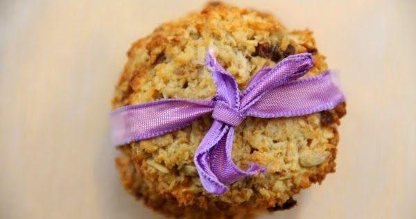 Zdrowe i przepyszne owsiane ciastka z kokosem. Bez glutenu, mąki, białego cukru i mleka. Lekko pijane ;) Świetna alternatywa dla wypie...