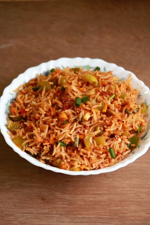 schezwan fried rice is a popular Indo-chinese dish which can be made easily at home and can be served for lunch or dinner. It needs schezwan sauce