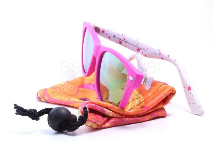 Gafa de sol para niños de 41 eyewear, modelo EVER JR. / FO15005 37. Puedes ver nuestras gafas de sol para niños aquí: http://41eyewear.com/coleccion/gafas_junior. #41eyewear #gafas #gafasdesol #gafassol #gafasdemoda #sunglasses #glasses #eyeglasses #eyewear  #shoppingonline #shoponline #tiendaonline  #gafasdever #gafasdevista #gafasdemadera #gafasmadera #gafasterciopelo #gafasdeterciopelo #velvetglasses #velveteyewear #velvetsunglasses #gafasinfantiles #gafasjunior  #kidseyewear…