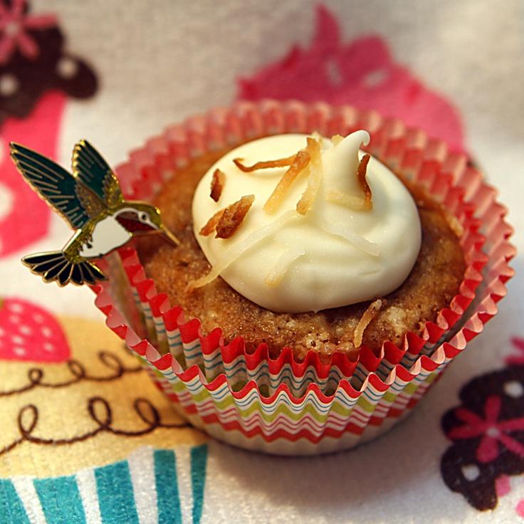 Hummingbird Cupcake Hummingbird cupcakes, Hummingbird