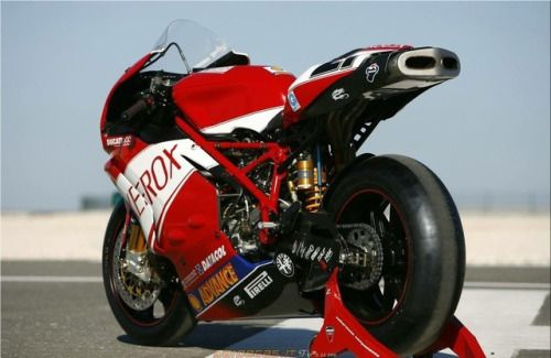 Ducati 999 F06 Troy Bayliss
