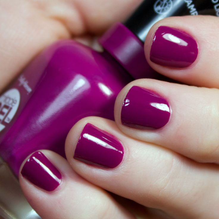 Best polish I've ever used! Sally Hansen miracle gel doesn't chip! Lasts forever.