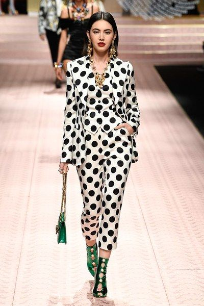 7f985f61f8 Dolce   Gabbana Spring 2019 Ready-to-Wear Fashion Show in 2019 ...