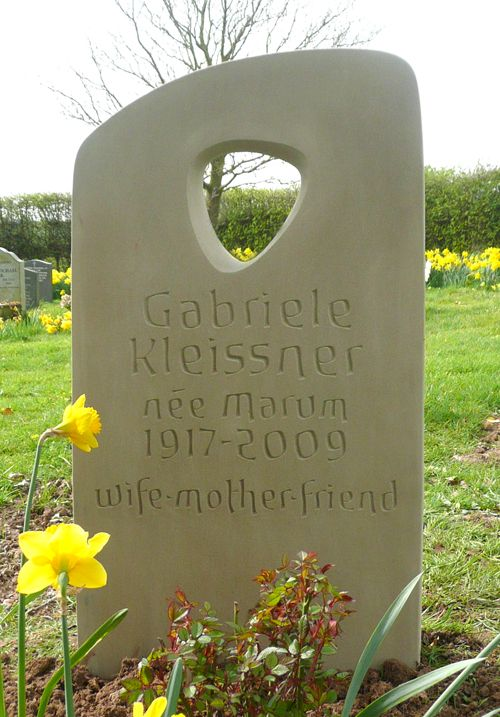 Hand carved memorials gravestones and headstones by stone