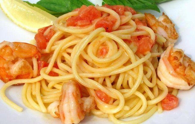 Креветки со спагетти в сливочном соусе в мультиварке, Креветки с рисом и овощами в мультиварке