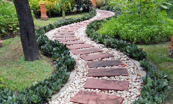 Oltre 20 migliori idee su ghiaia da giardino su pinterest - Camminamento pietra giardino ...