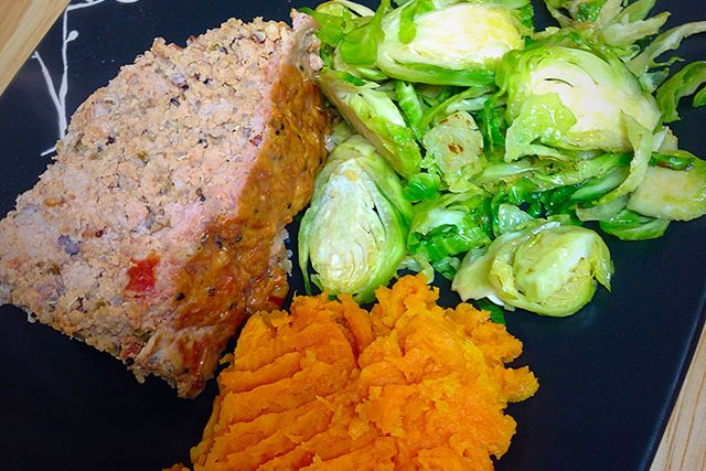 Turkey Meatloaf- 21 Day Fix and 21 Day Fix Extreme Approved- Dana Nicole Fitness
