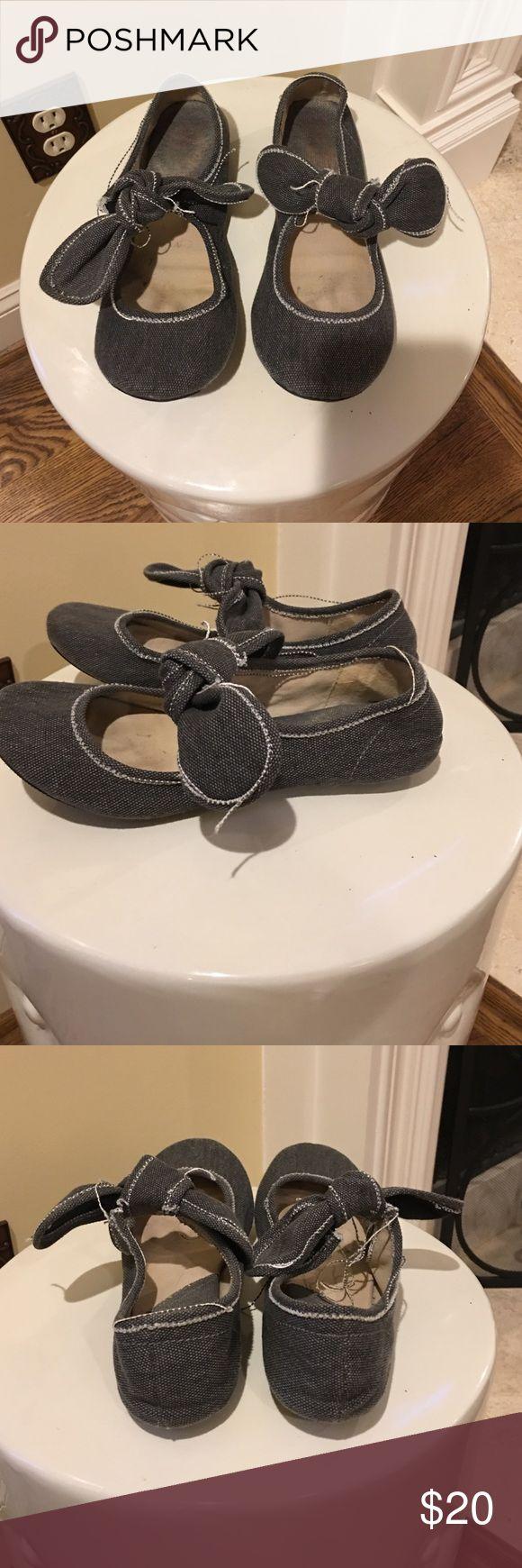 Big Buddha gray Mary Janes Big Buddha gray Mary Janes with white stitching! Super cute! Size 8 Bug Buddha Shoes Flats & Loafers
