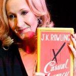 """""""500 páginas de manifiesto socialista implacable disfrazado de literatura metido en tu garganta"""". De Harry Potter a The Casual Vacancy.La famosa escritora contemporánea, J.K. Rowling, por fin pudo ver en los estantes su más reciente creación: una mezcla de sexo, abuso y malas palabras. Una obra que aborda la pobreza y los prejuicios de clase …"""