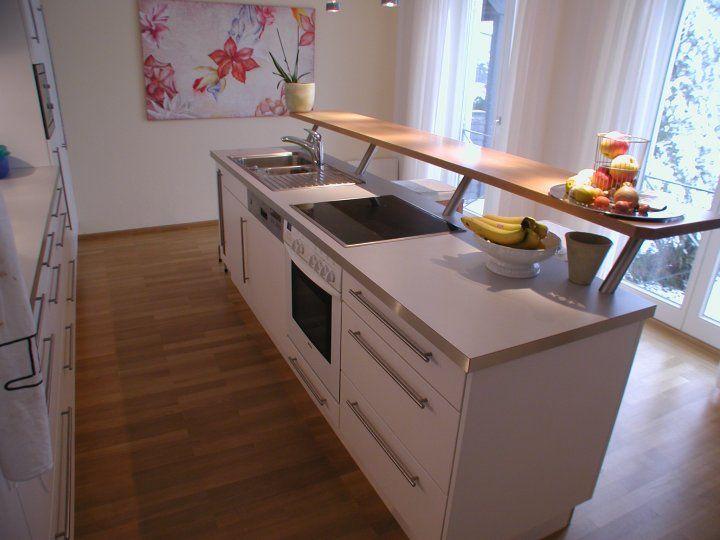 Kücheninsel mit Thekenplatte