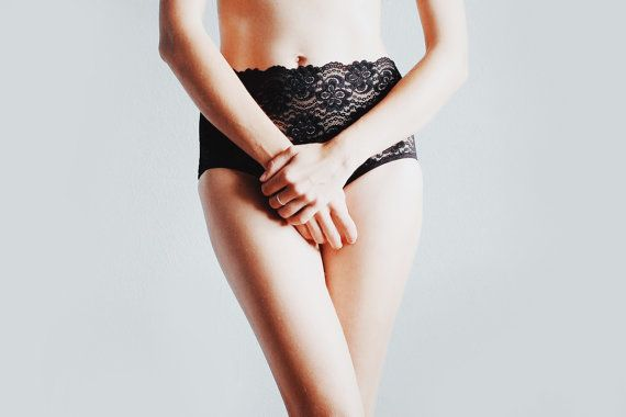 Black Hipster style panties with lace elements. by EgrettaGarzetta