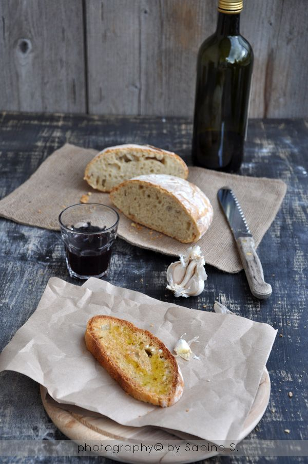 Buongiorno cari amici,   ne ho appena combinata una delle mie, ho pubblicato il post del pane nell'altro mio blog e per non fare troppa con...