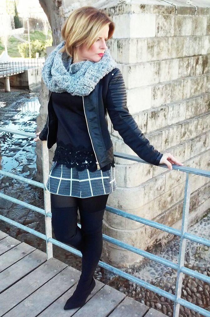 Vuelven los #Cuadros más fuertes que nunca. Mira como combino esta falda-pantalón de cuadros con un toque romántico y sexy. http://www.srtabonnet.com/a-cuadros/