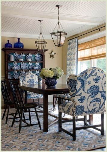 John de bastiani decoration design beautiful interiors for Blue and white dining chairs