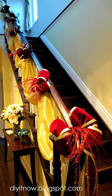 DIY it Now!: DECORATING MY STAIRCASE FOR CHRISTMAS