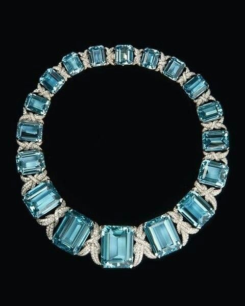 @boylerpf. This will make your Monday Blues disappear! Aquamarine and diamond necklace, 1933 @truongalain