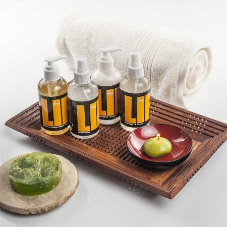 Recreate a spa at home with this organic pampering kit - a great gift for boyfriend, girlfriend or even mom and dad!