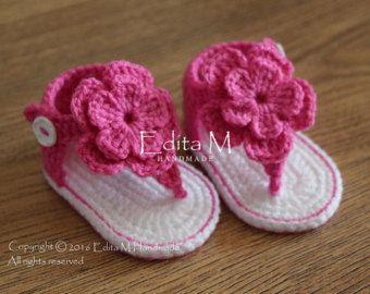 Crochet sandalias bebé, sandalias de Gladiador de bebé, botitas de bebé, zapatos de bebé, sandalias de flor, zapatillas, rojo, corazón, regalo del bebé ducha, apoyo de foto por EditaMHANDMADE