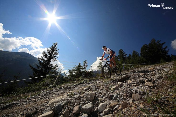 Der ARLBERG Bike Marathon - ein hartes, kräfte-raubendes Mountainbike Rennen über knapp 40 km und 1500 Metern Höhenunterschied im Anstieg