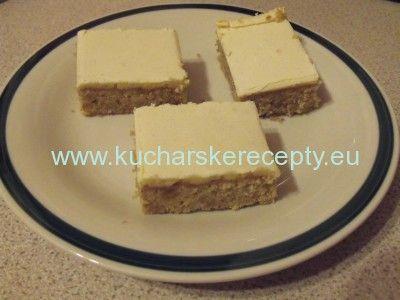 Orechový koláč so žĺtkovou polevou | Kuchárske recepty
